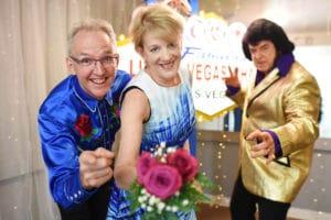 Couple from Australia renews vows