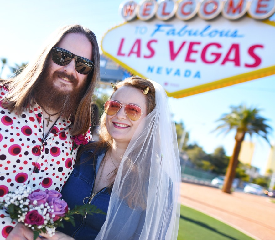 Las Vegas Sign Destination Wedding