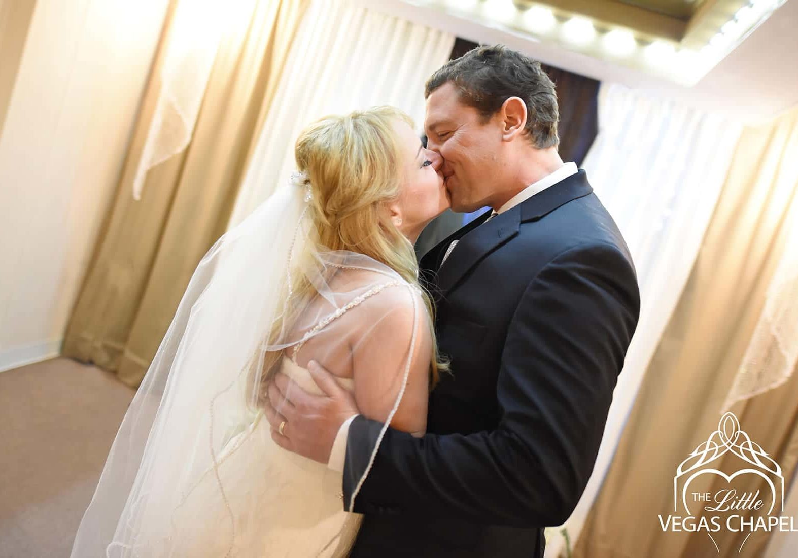 First dance wedding songs from the 90s to enjoy
