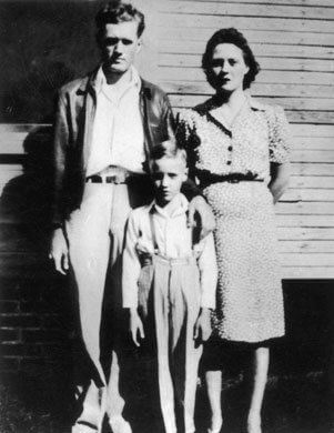 Elvis Age 10 in 1945