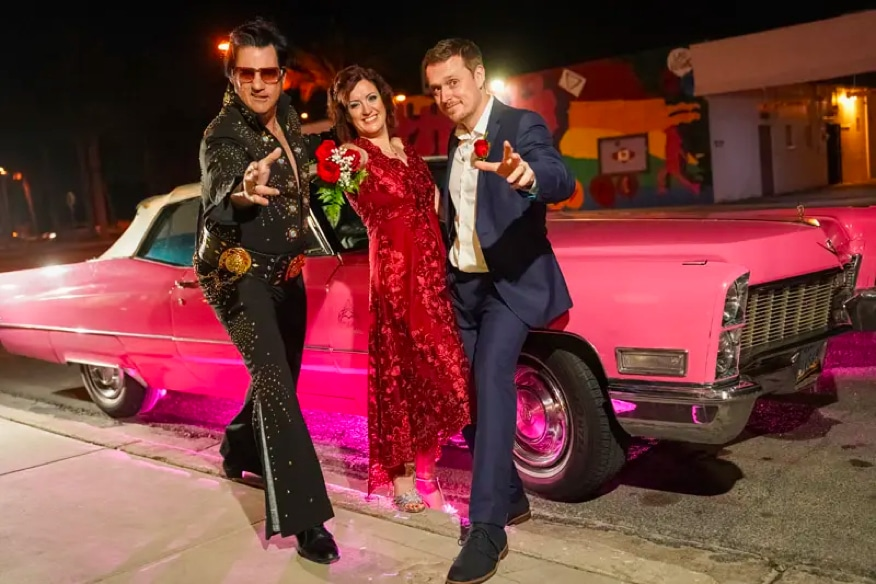 Elvis Wedding Package with Pink Vintage Car at the Little Vegas Chapel