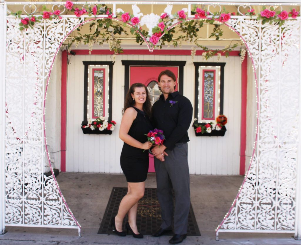 About the best las vegas strip wedding chapel the little for Vegas wedding show