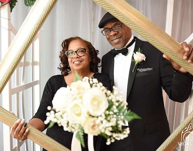 Little Vegas Chapel Traditional And Elvis Weddings Renewals